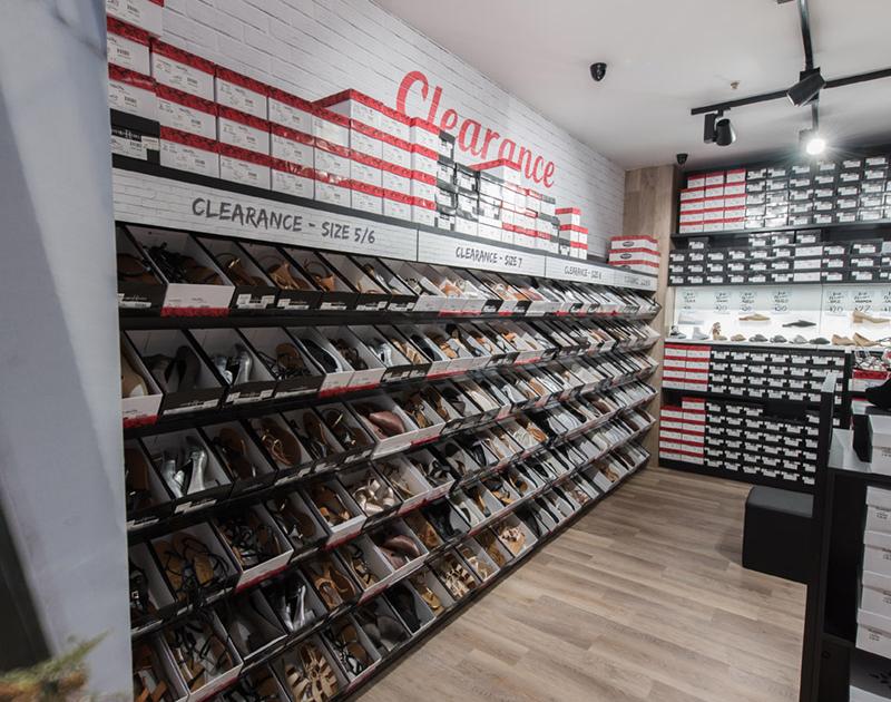 Famous-Footwear-02